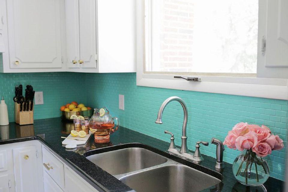 DIY Kitchen Backsplash Ideas on teal glass tile kitchen backsplash, teal kitchen paint color ideas, teal painted backsplash,