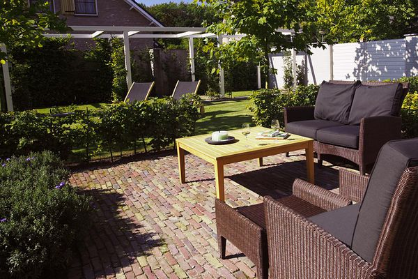 Table and Chairs in Outdoor Living Room