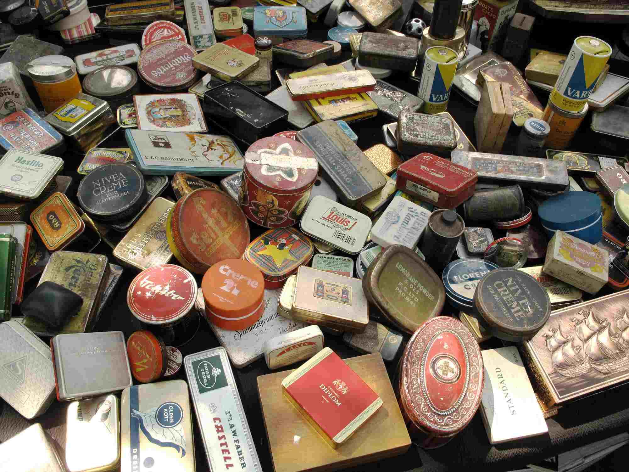 Cajas de lata vintage en venta