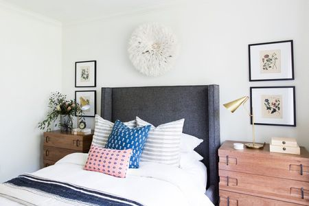 22 Stylish Bedrooms With Chic Upholstered Headboards - Comfortable-upholstered-headboard