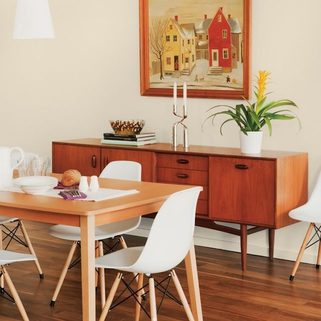 Bone White paint color by PPG on dining room walls