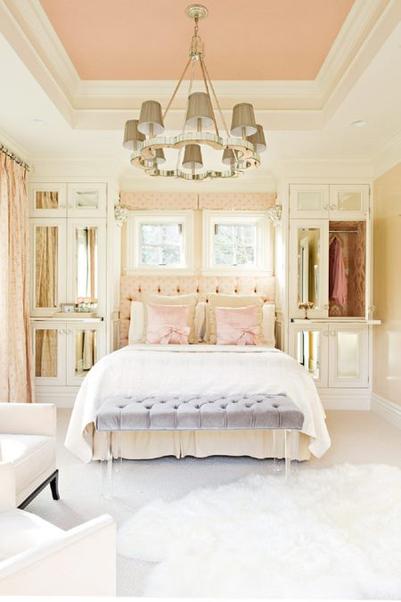 Super Decorating The Bedroom In Traditional Style Home Interior And Landscaping Synyenasavecom