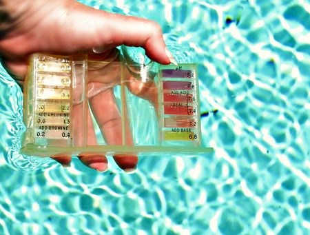 a046154e How to Use a Pool Test Kit to Check Water Quality