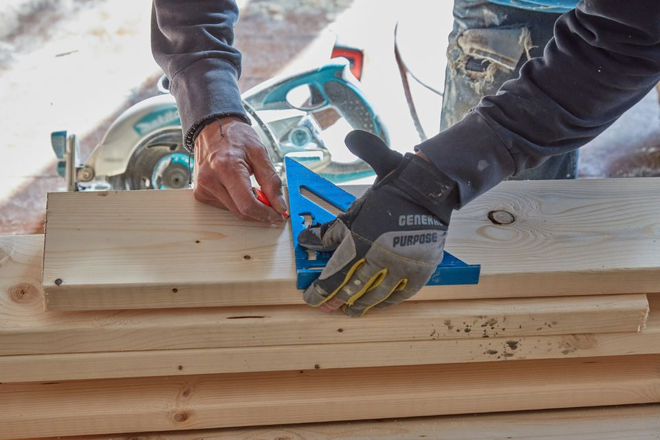 Speed square measuring wooden beams
