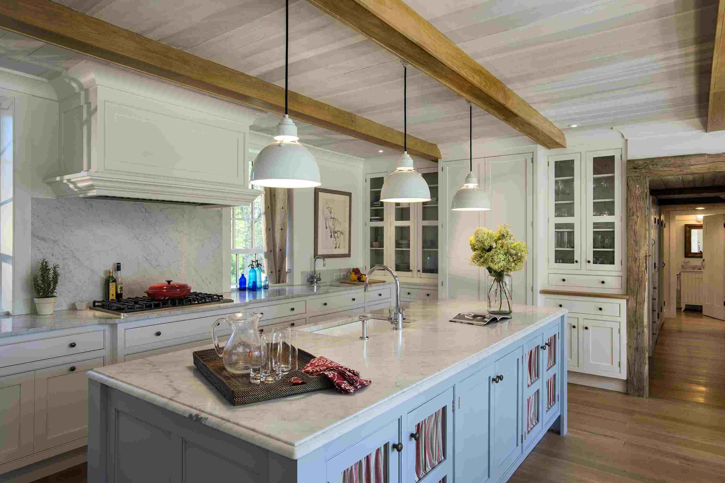 blue-white-wood-modern-farmhouse-kitchen