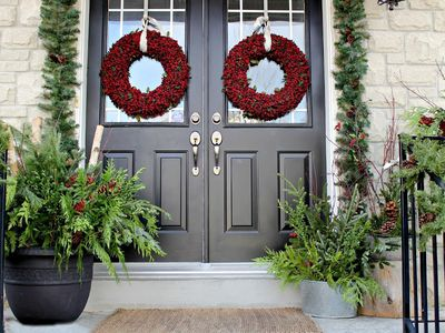 39 ways to deck out your front porch for christmas