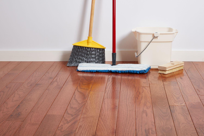 Cleaning supplies for hardwood floor
