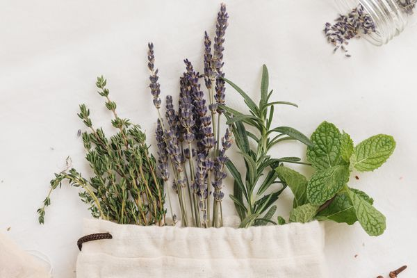 dried herbs in a sachet