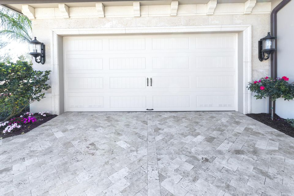 10 Garage Door Safety Tips
