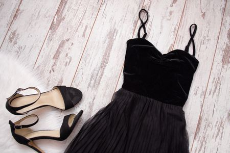 7998b452a2591d A black velvet evening dress and shoes