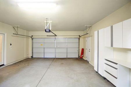 10 Tips For Seasonal Garage Door Maintenance