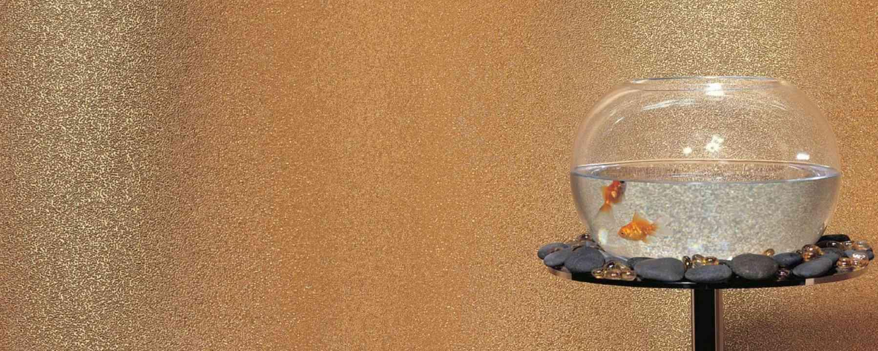 Revestimiento de pared de aspecto metálico con cuentas de vidrio