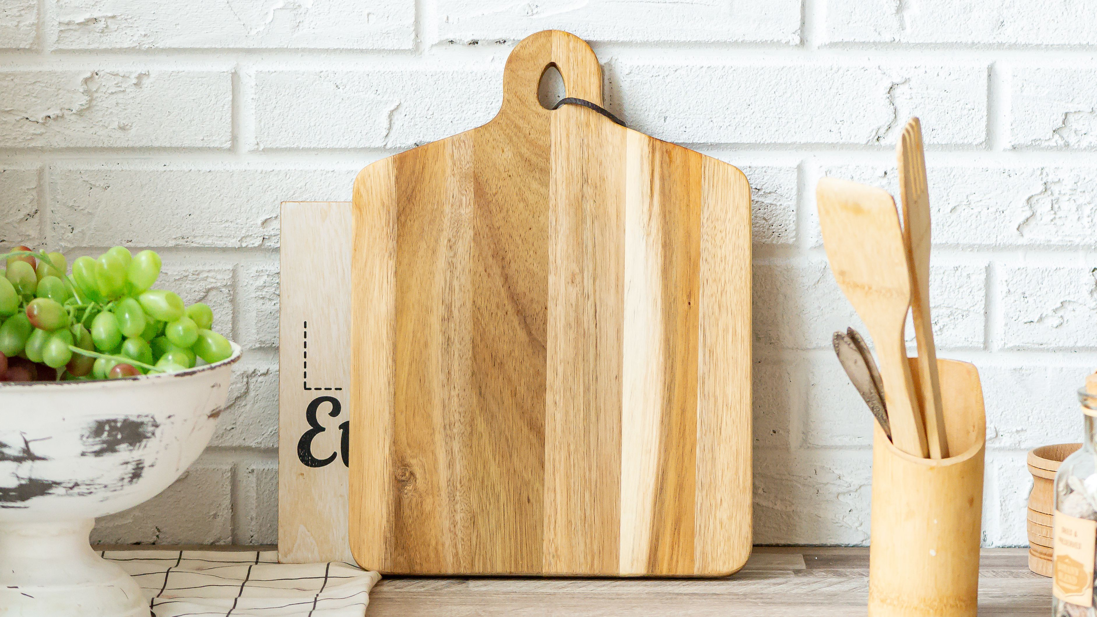 How To Clean A Wooden Cutting Board