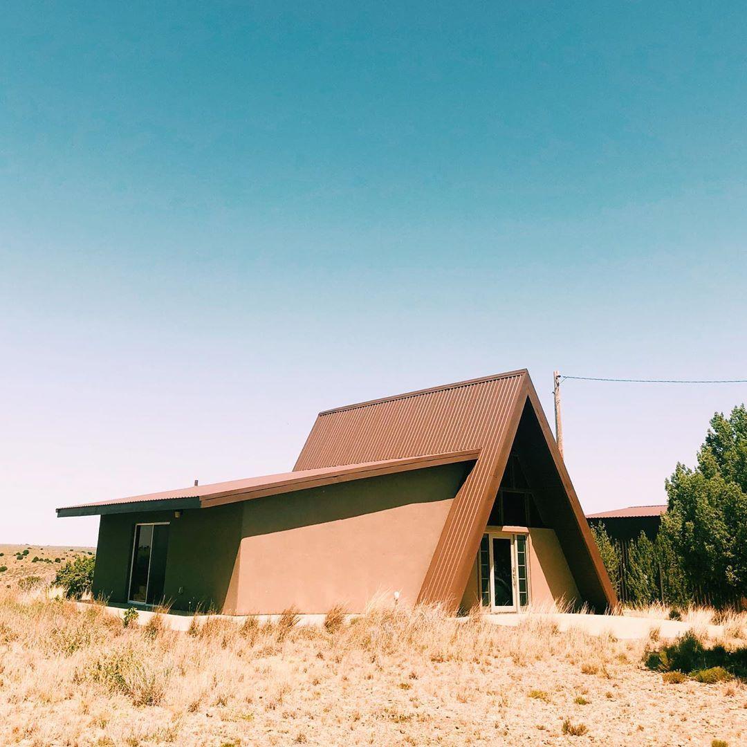 Casa de marco marrón