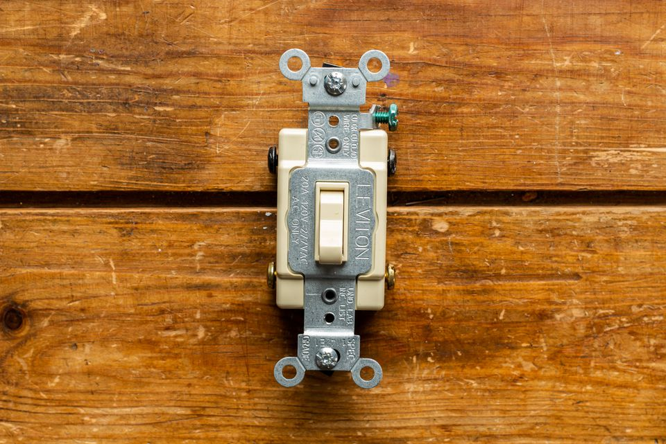 Uninstalled four-way switch