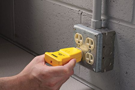 Using a Circuit Breaker Finder