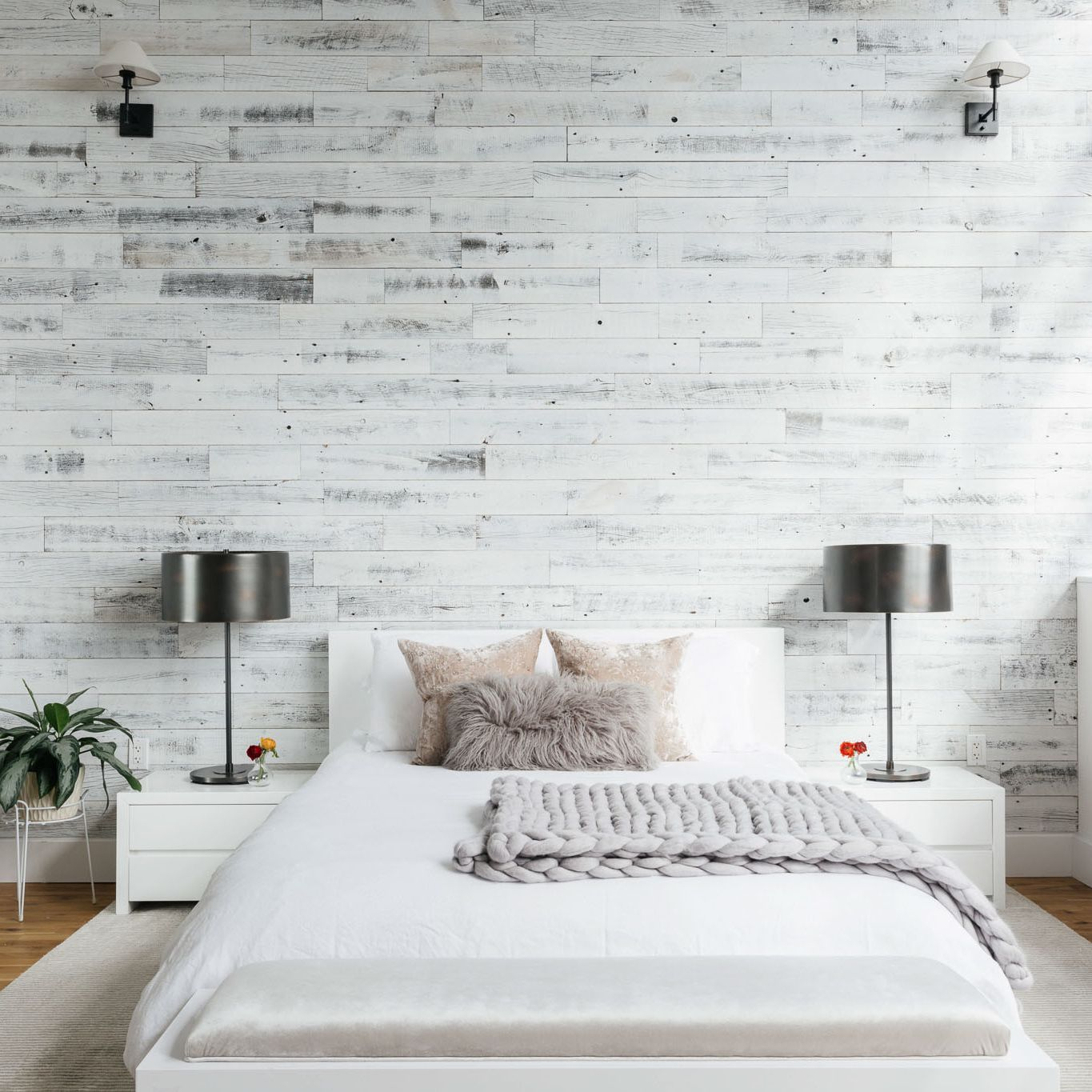 4 Modern Rustic Bedroom Decorating Ideas
