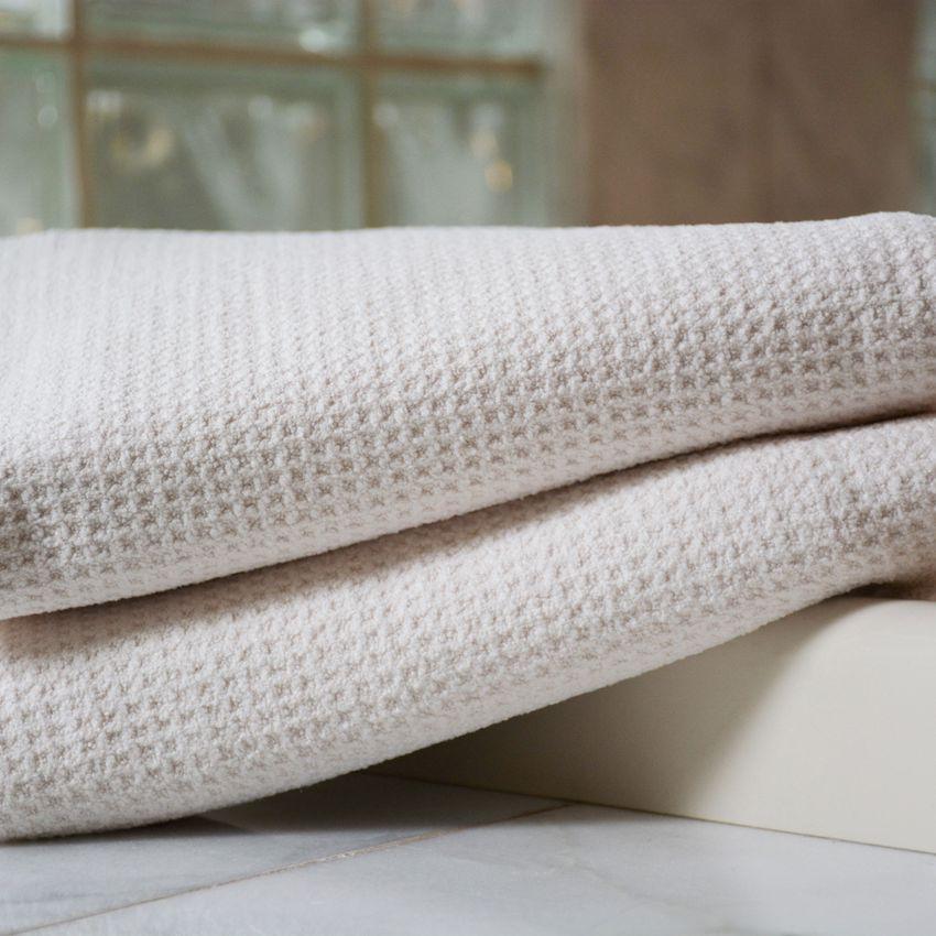 Fina Ultra Absorbent Waffle Weave Microfiber Bath Towel