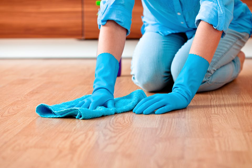 The Right Cleaners For Your Solid Hardwood Flooring