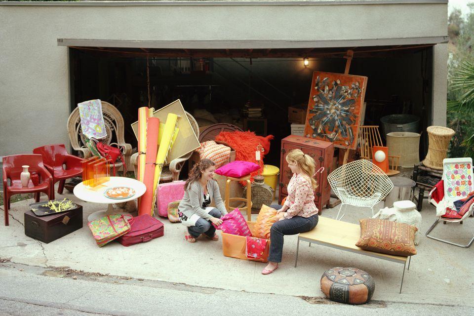 yard sale display