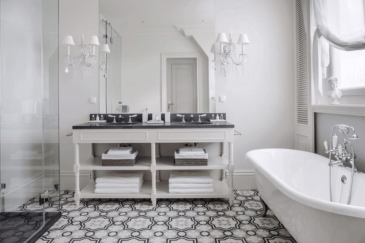 baño monocromático tradicional