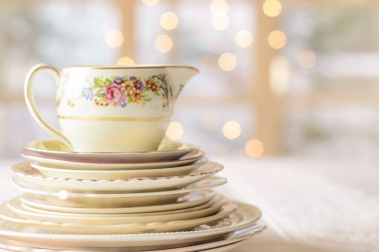 Differentiating Fine China, Porcelain, and Dinnerware