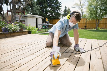 Tips for Sanding a Wood Deck Before Refinishing