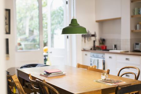 Choosing A Dining Room Table Materials Styles Sizes