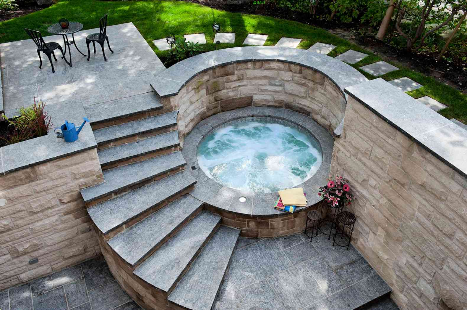 15 Hot Tub And Spa Designs