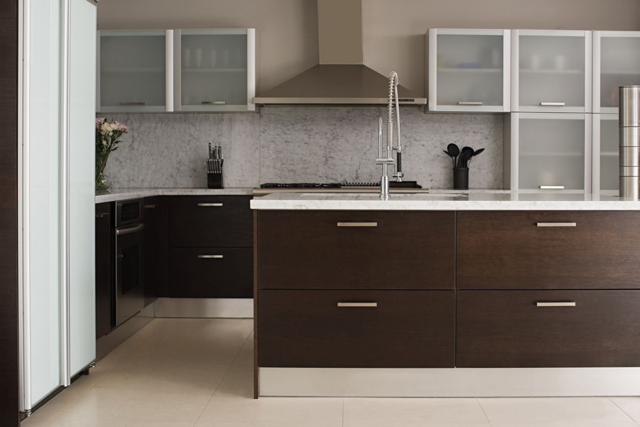 Aluminum Can Also Add A Two-Toned Look to A Kitchen