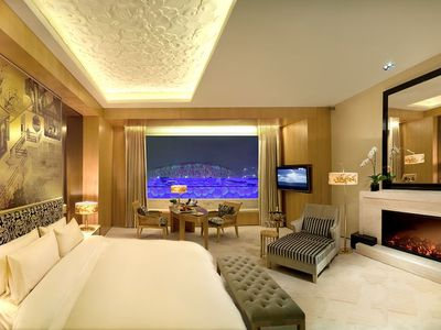 How to Design Your Bedroom Like a 5-Star Hotel Room