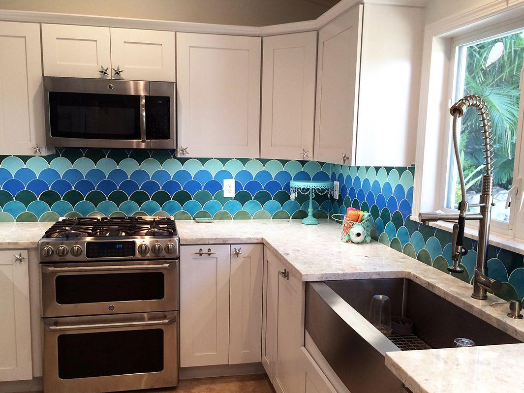 Colorful And Modern Kitchen Backsplash Ideas