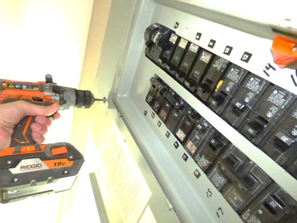 Removing a circuit breaker