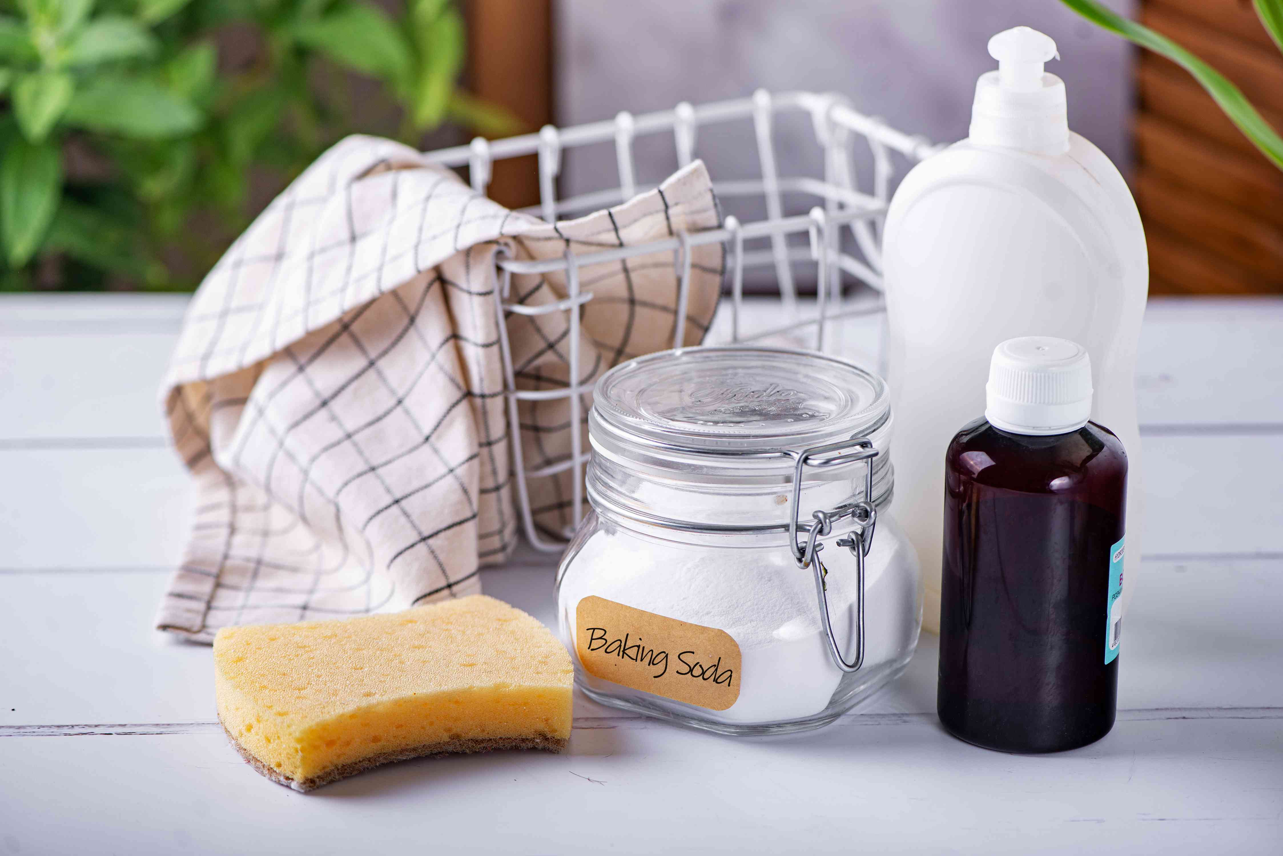 ingredients for cleaning ceramic cookware