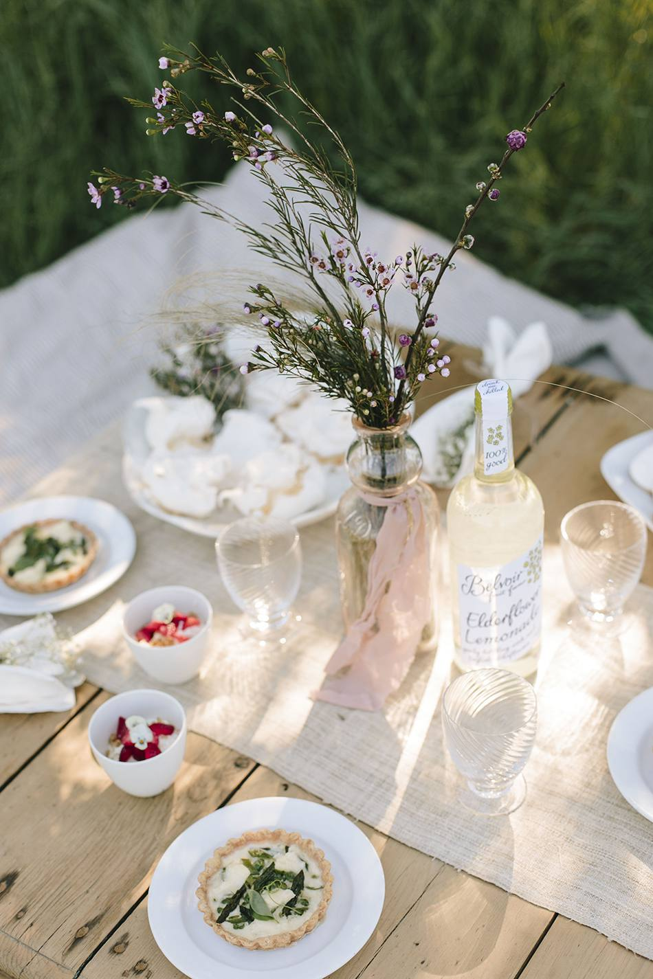 picnic with vintage decor