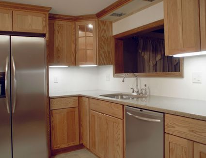 Should You Reface Or Replace Your Kitchen Cabinets