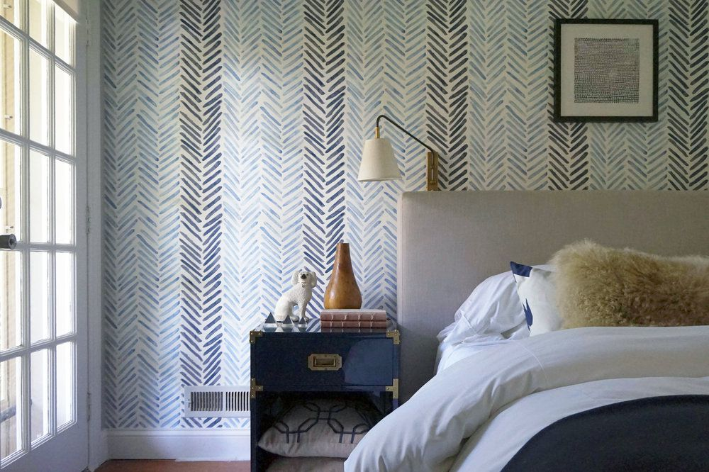 soothing watercolor wallpaper in bedroom