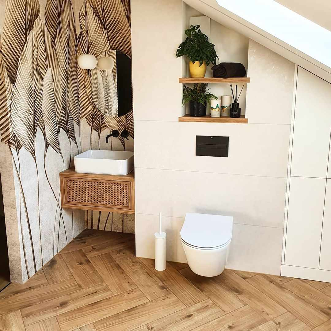 Bathroom with chevron ceramic tile