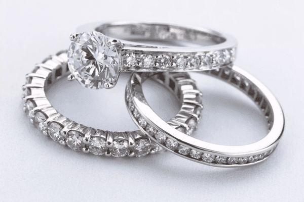 pave setting in ring