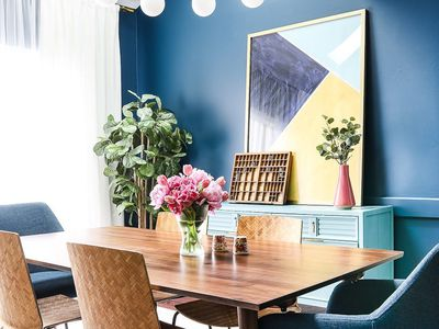 Dining room with large print