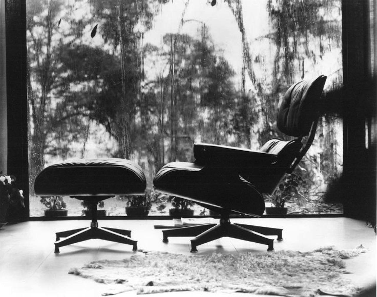 The Eames Chair in black and white