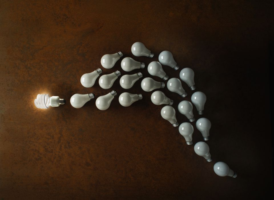 Incandescent light bulb with standard light bulbs