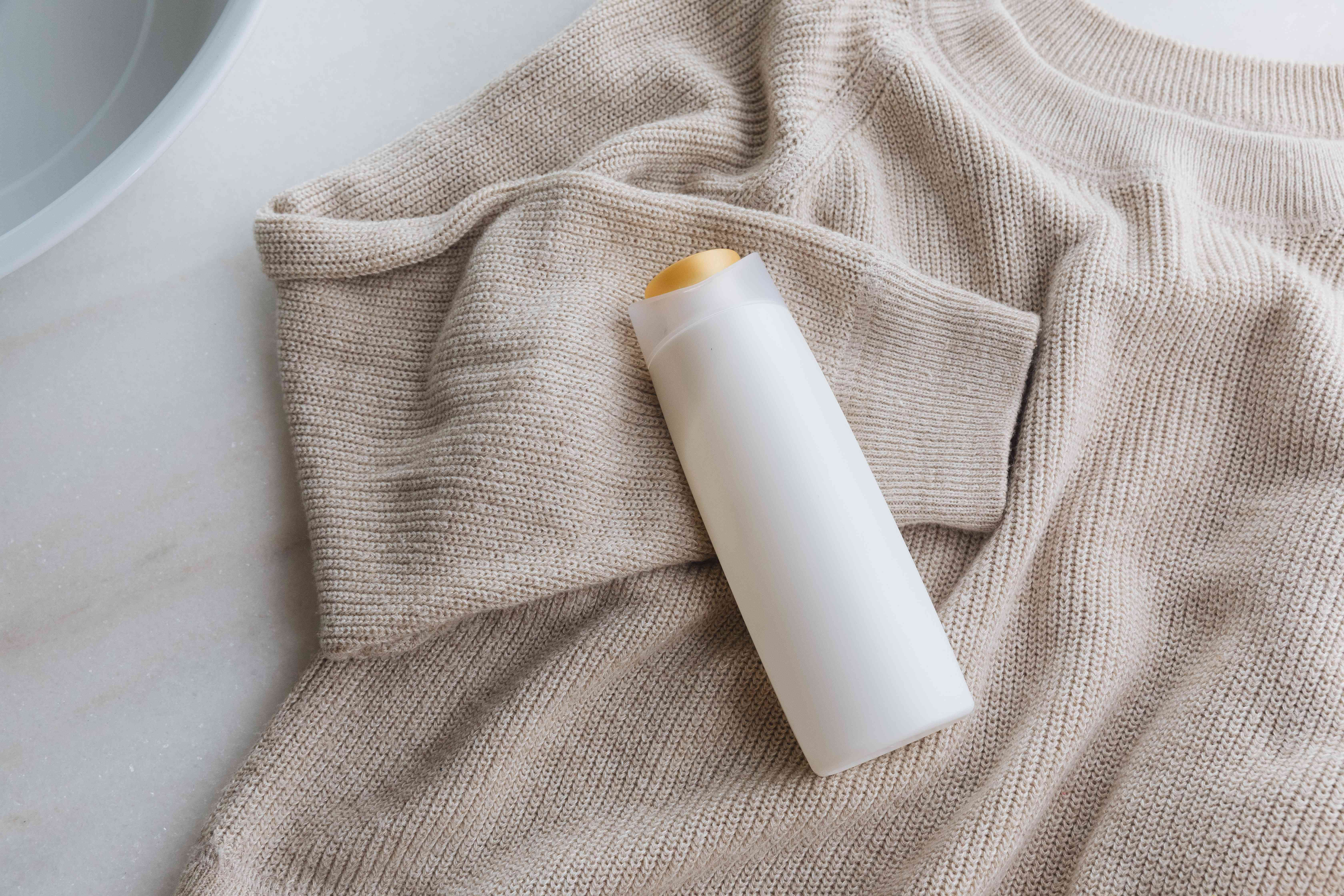 using hair conditioner to unshrink a sweater