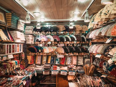 The Pros And Cons Of Ing A Permanent Indoor Flea Market Booth