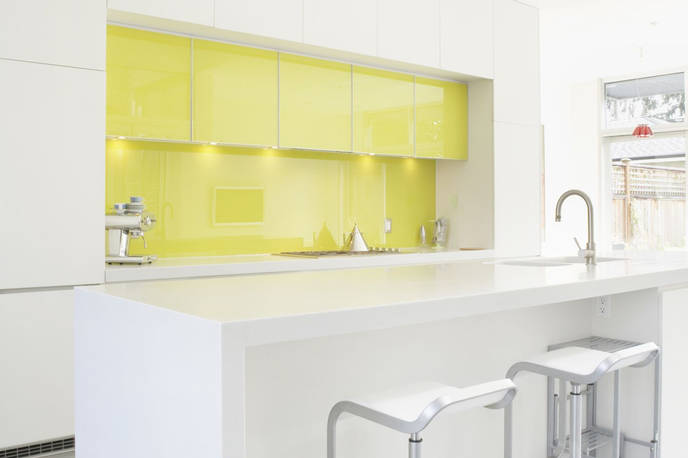- Glass Sheet Kitchen Backsplashes