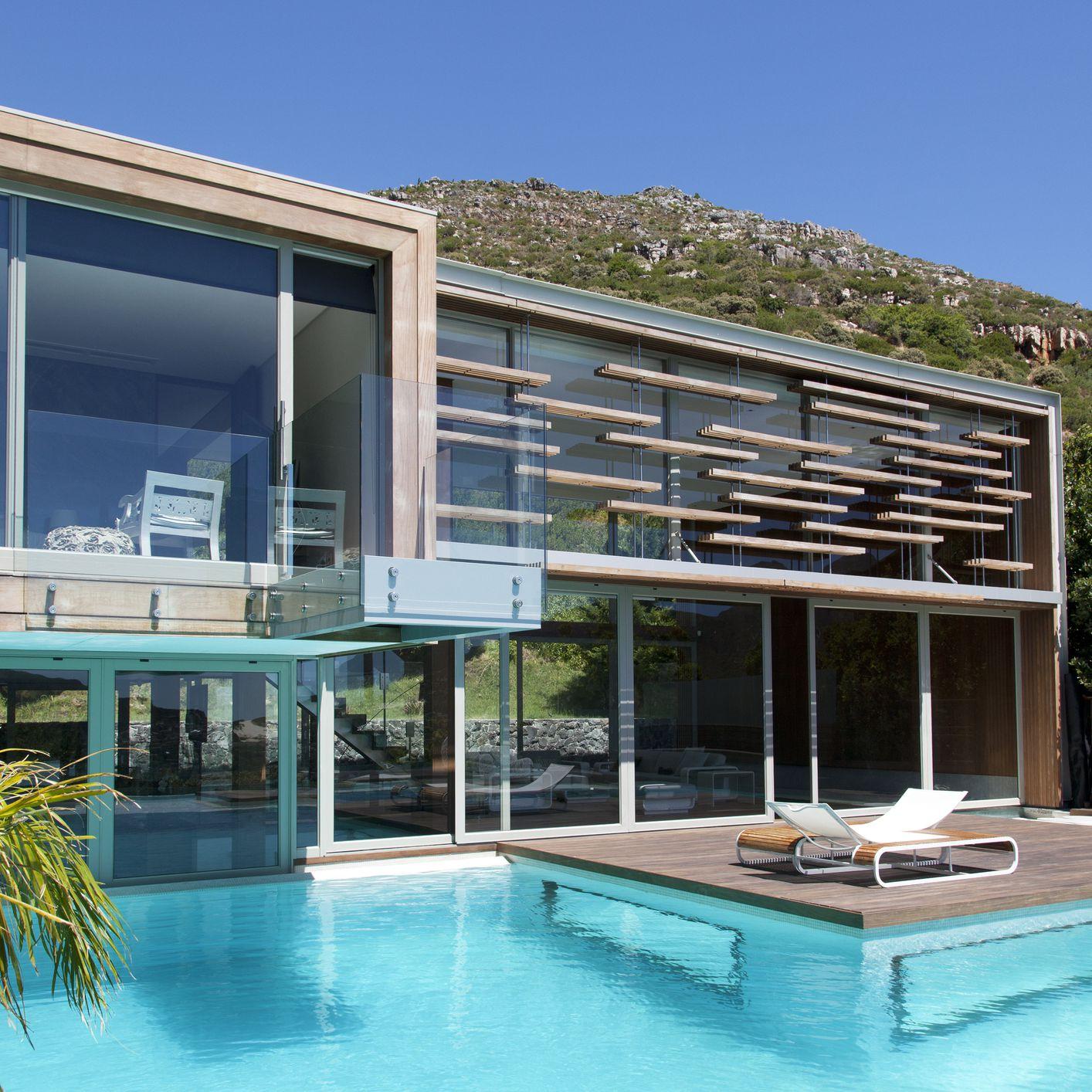 25 Beautiful Modern Swimming Pool Designs