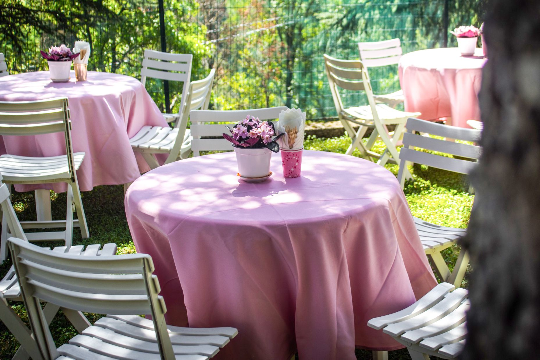 Sew Your Own Decorative Round Tablecloth