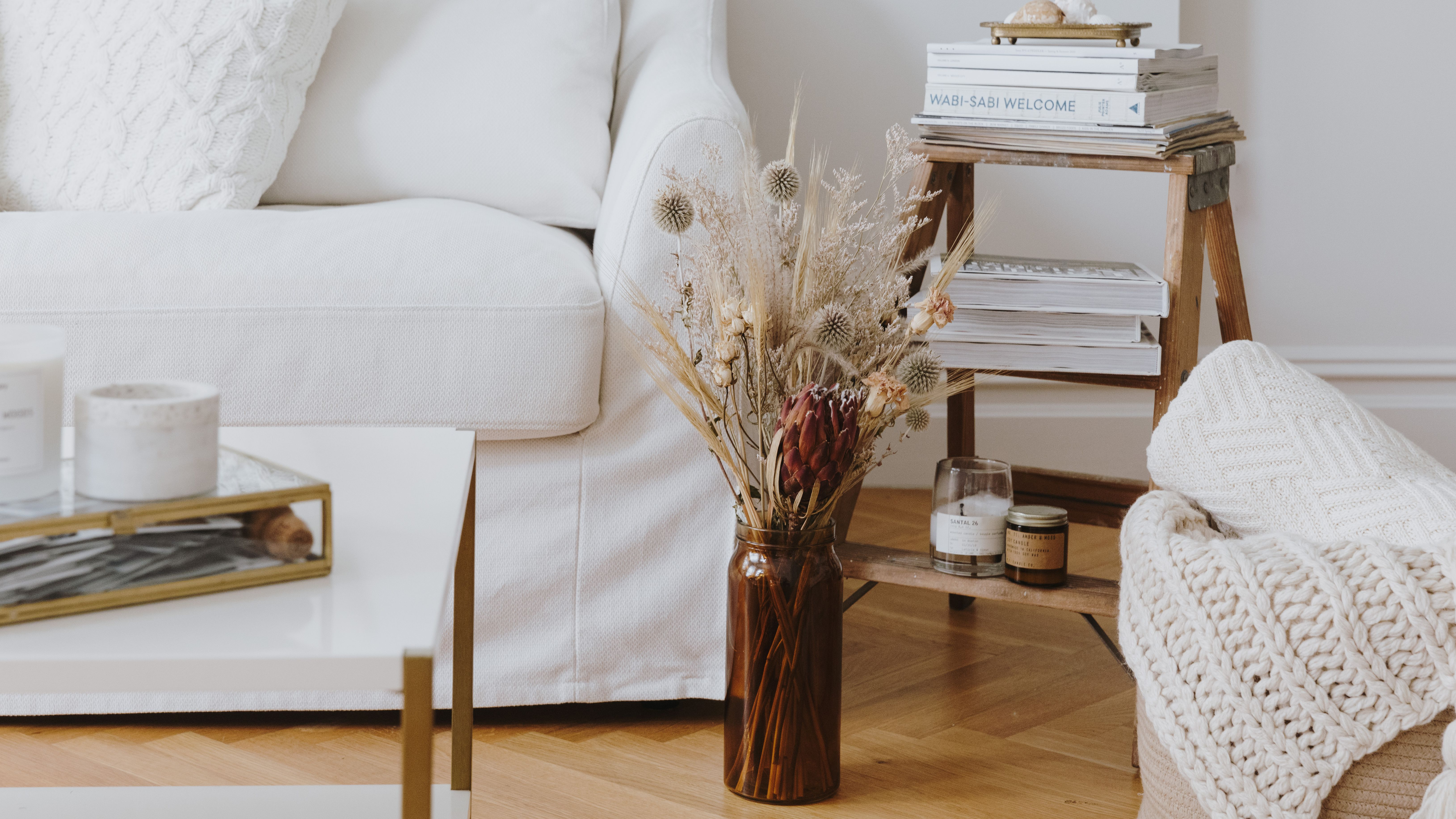 Expert Tips On Styling White Rooms
