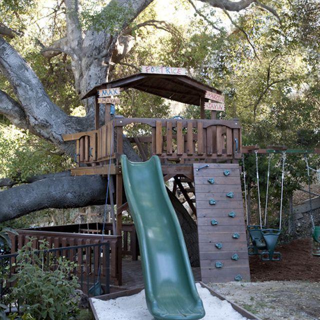 Tree fort play yard