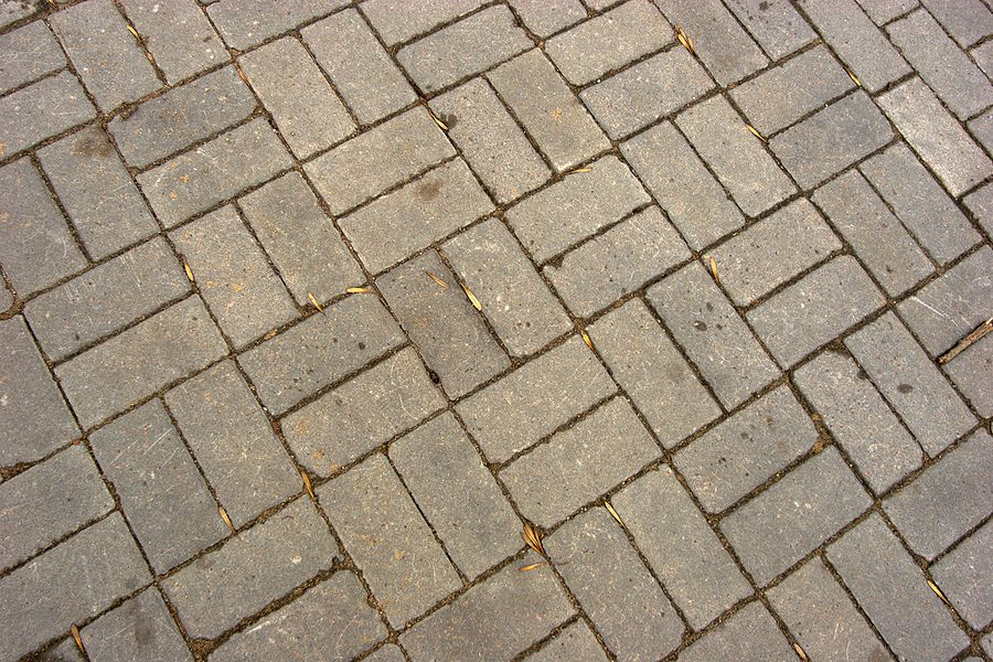 The Basket Weave Brick Pattern Makes an Easy Patio for Beginners